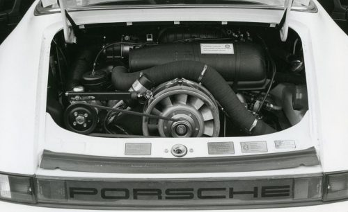 How to rebuild a Porsche 911 SC Engine 24